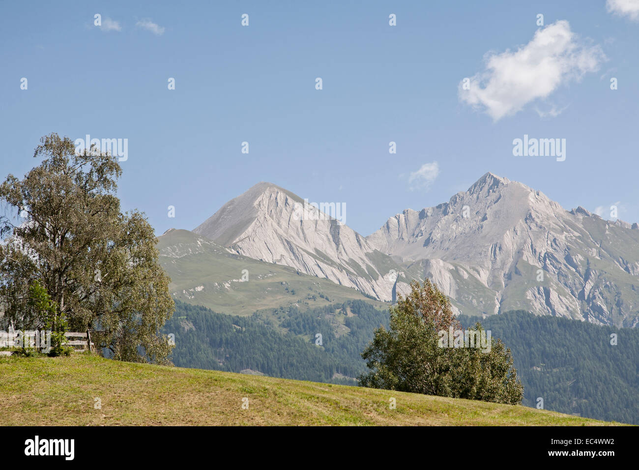 Views over the Tauern valley to the mighty peaks of the Granatspitz group - Stock Image