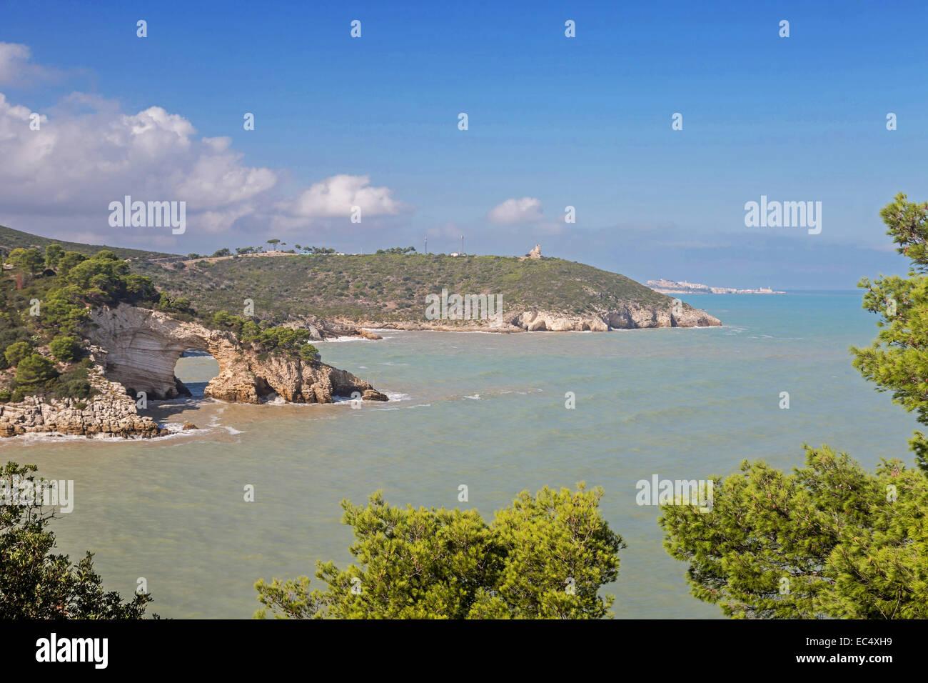 bekanntes Wahrzeichen der Garganoküste in Apulien - Stock Image