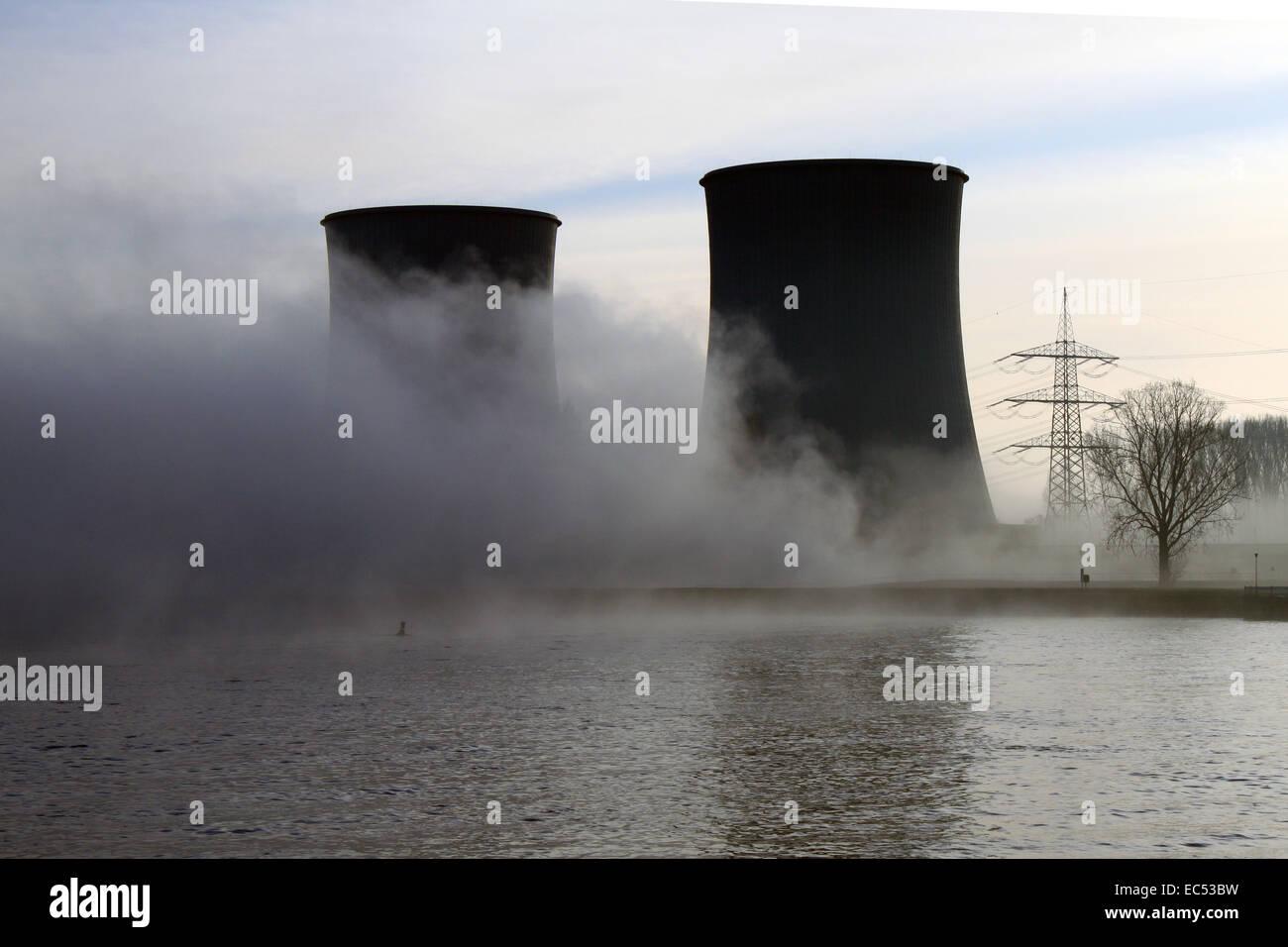 atomkraftwerk in the fog - Stock Image