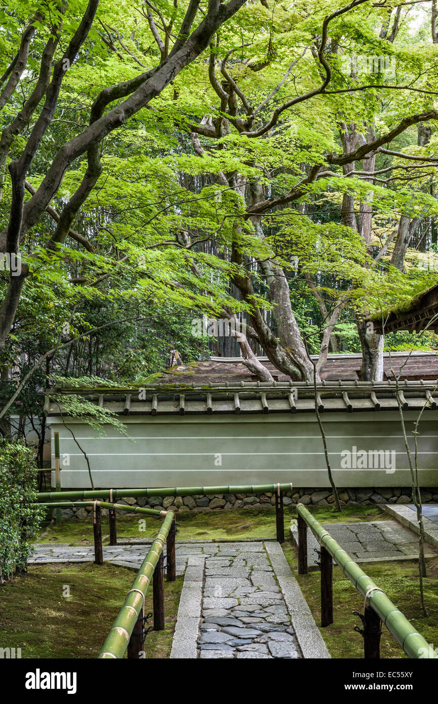 Koto-in zen temple, Daitoku-ji, Kyoto, Japan. The entrance path - Stock Image
