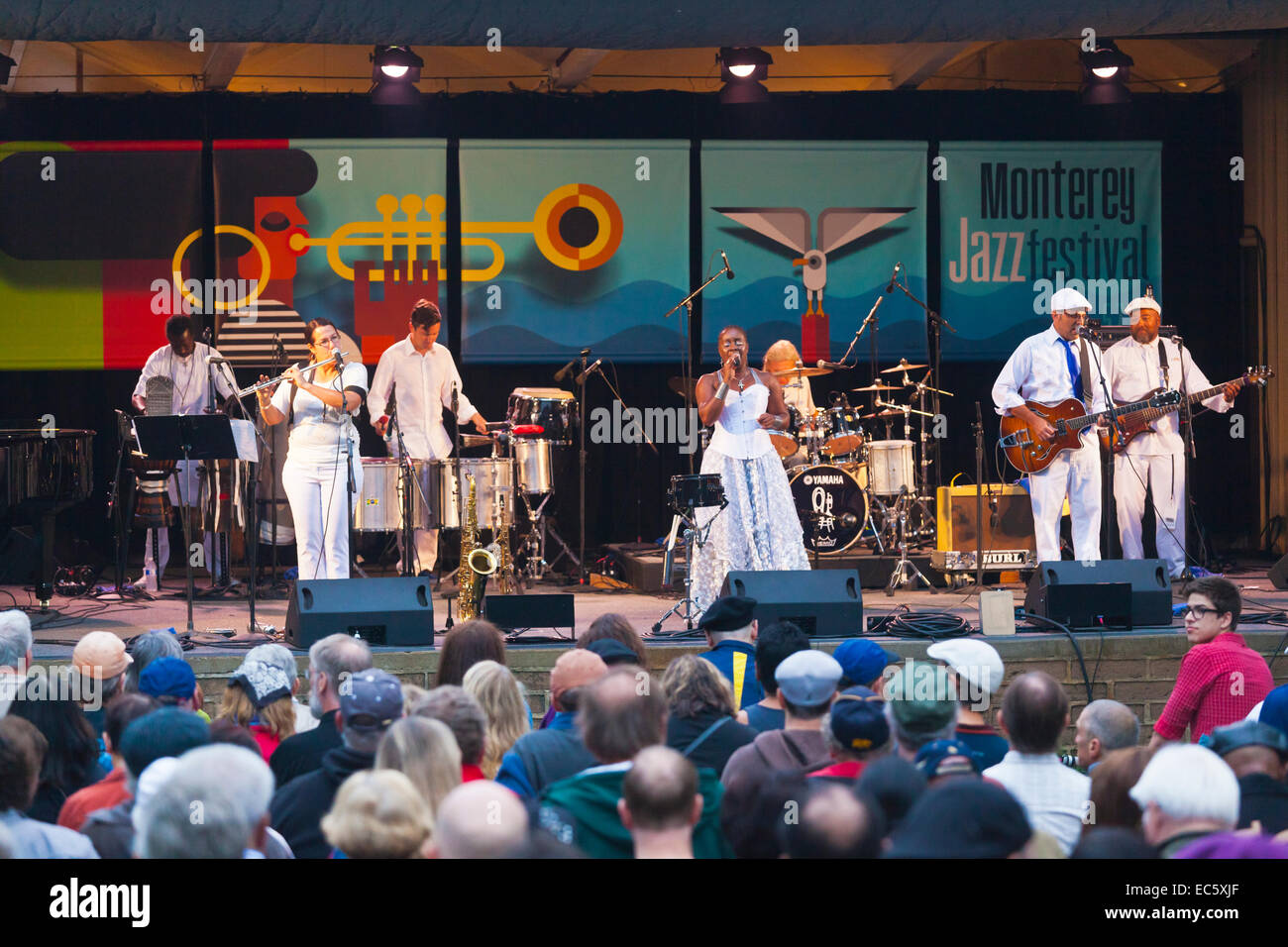 DANDA DA HORA sings with SAMBADA on the Garden Stage of the MONTEREY JAZZ FESTIVAL - Stock Image
