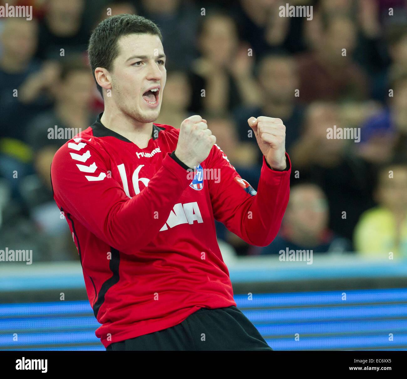 Zagreb Croatia 9th Dec 2014 Goalkeeper Filip Ivic Of Ppd Zagreb Stock Photo Alamy
