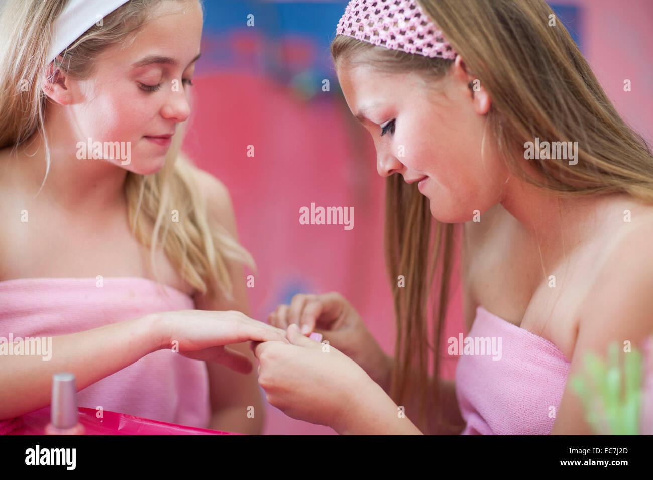 Girls that finger themselves
