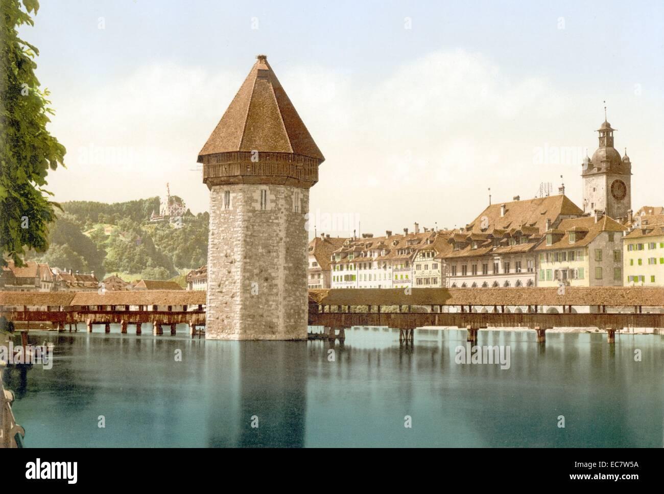 Chapel Bridge and view of Pilatus, Lucerne, Switzerland between ca. 1890 and ca. 1900. - Stock Image