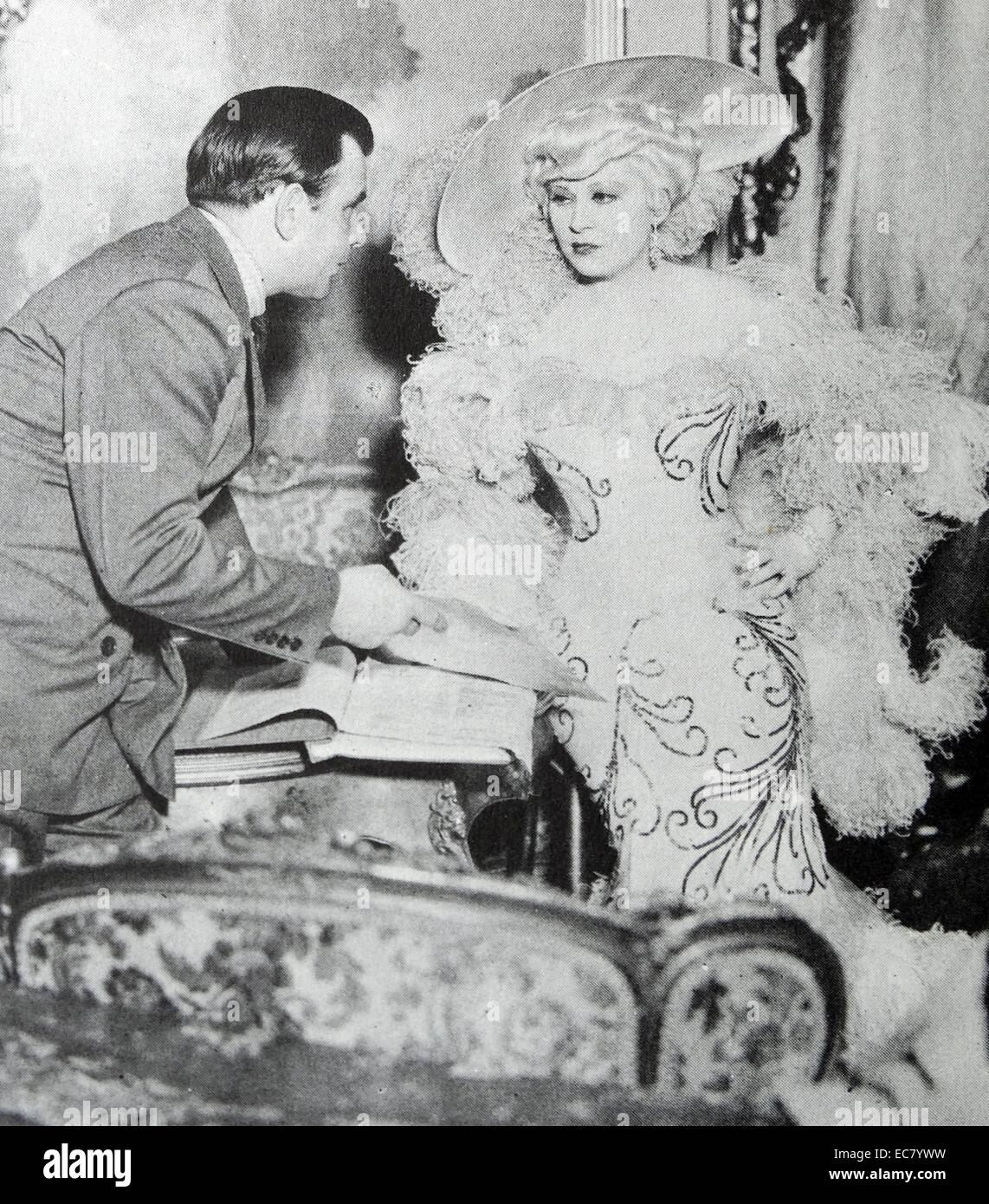 Mae West and production assistant Boris Petroff '.I'm No Angel (1933) is Mae West's third motion picture. - Stock Image