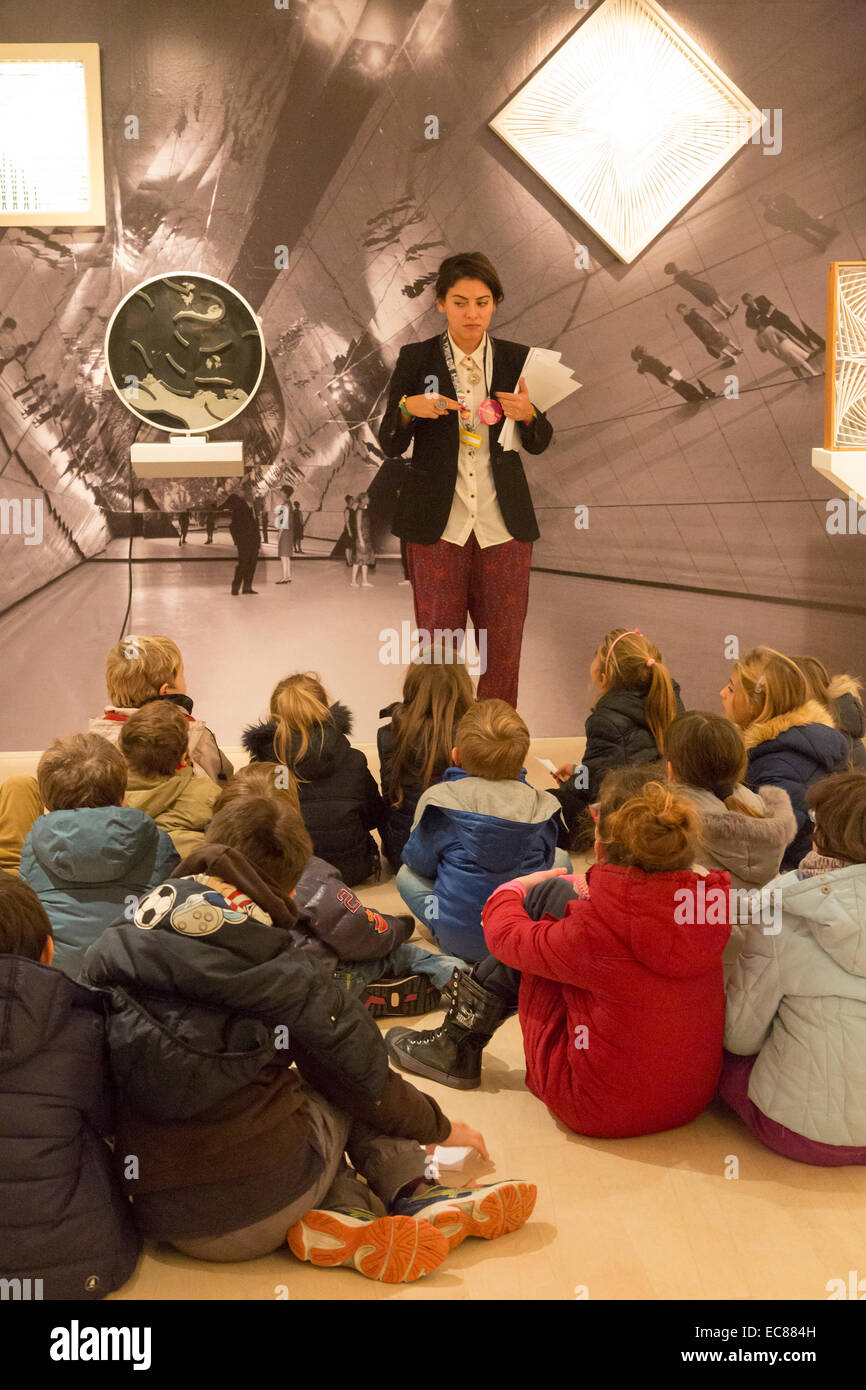 guide with children at the Peggy Guggenheim Collection, Venice, Italy - Stock Image