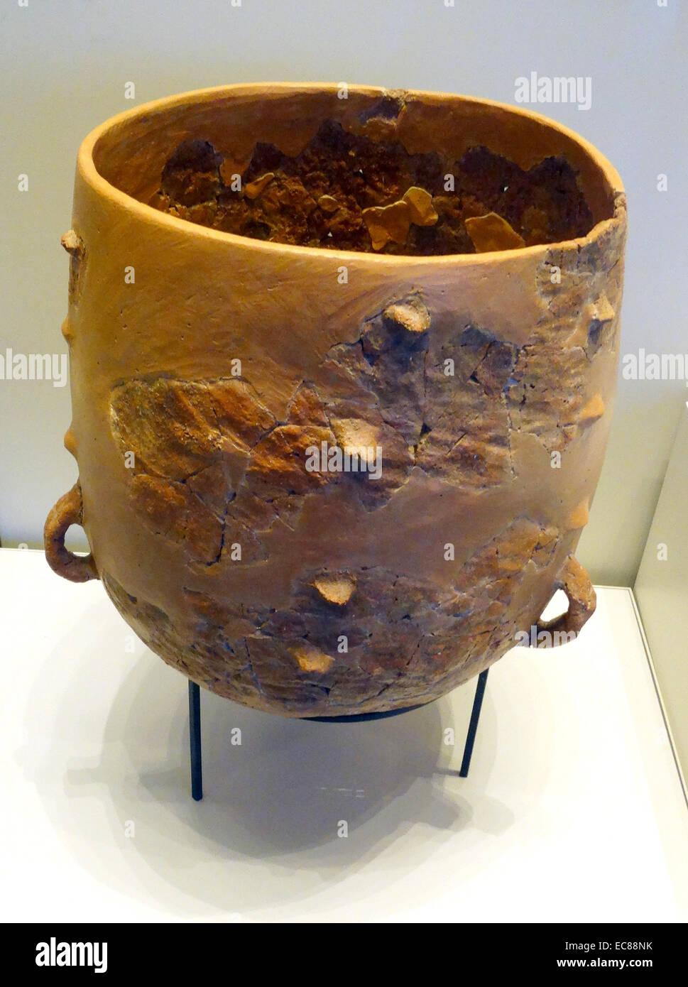Early pottery vessels - Stock Image