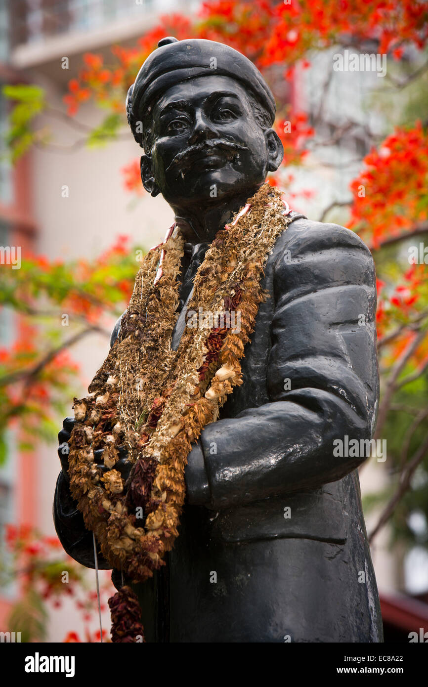 Mauritius, Port Louis, Company Garden, garlands round statue of Doctor Manilal Maganlal he felt for the oppressed - Stock Image
