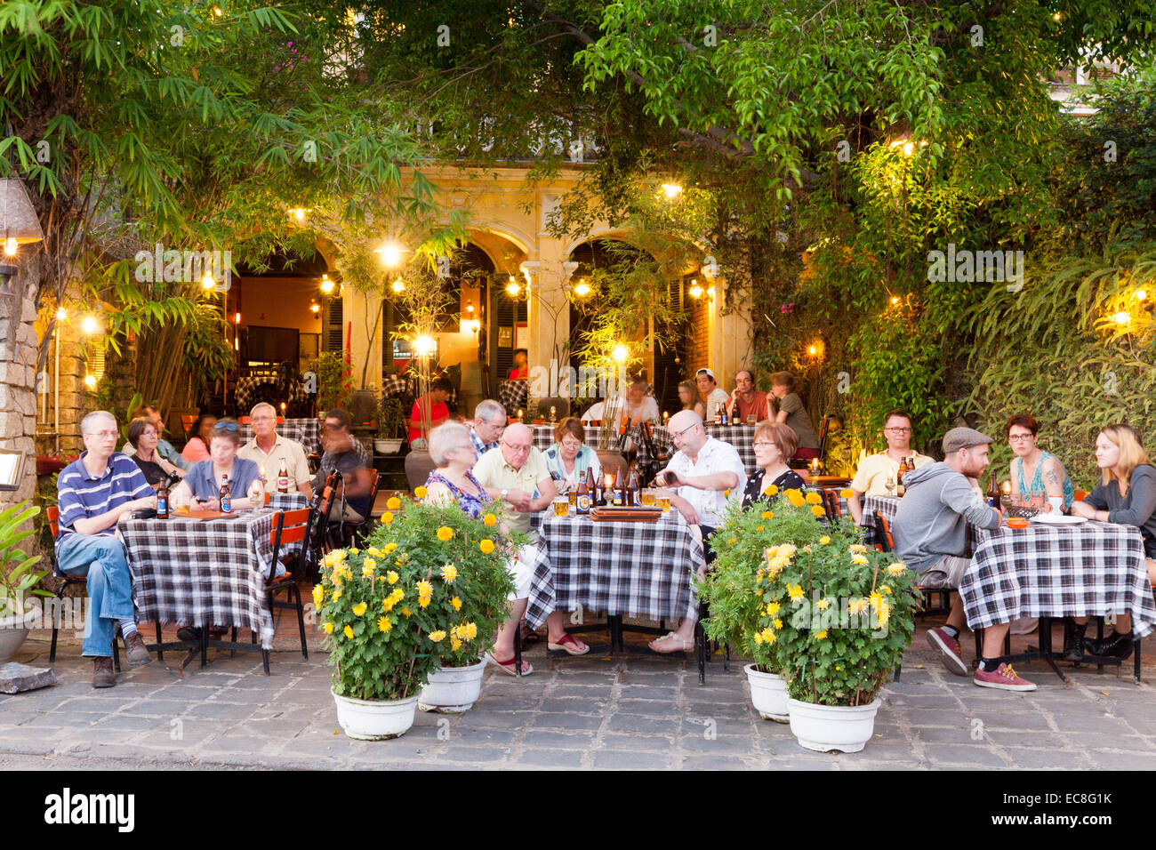 Diners at a restaurant, Hoi An, Vietnam - Stock Image