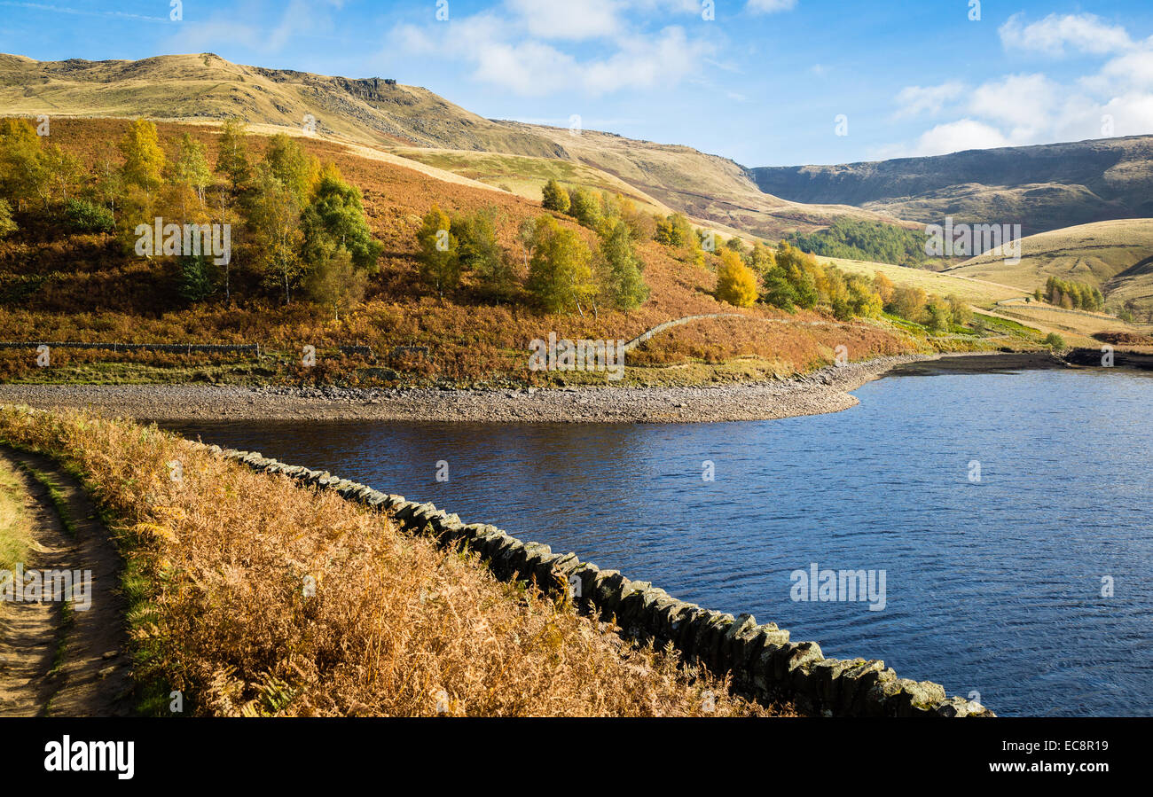 Kinder Reservoir below Kinder Scout near Hayfield in the Derbyshire Peak District - Stock Image