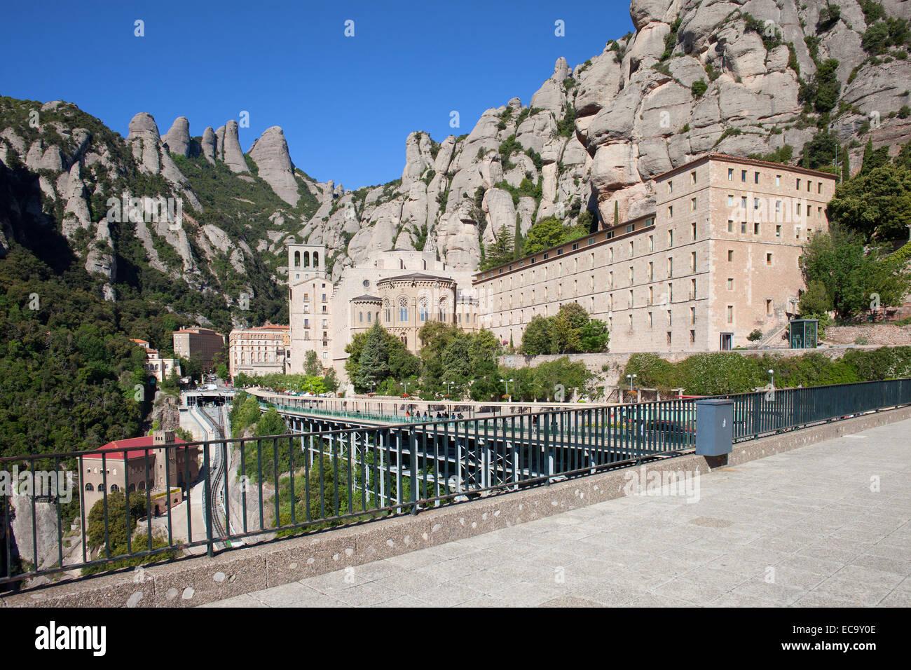 Santa Maria de Montserrat Benedictine monastery high in the mountains, Catalonia, Spain. - Stock Image