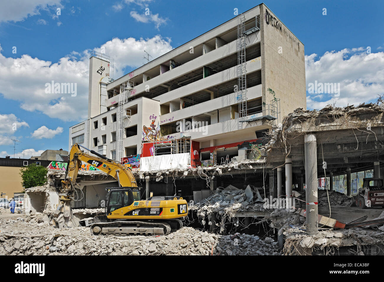Demolition of the Hertie-Haus, Obergiesing, Munich, Upper Bavaria, Bavaria, Germany - Stock Image