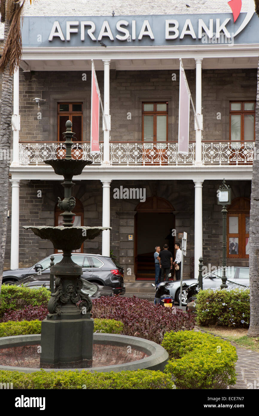 Mauritius, Port Louis, La Chausee, fountain outside AfrAsia Bank Building - Stock Image