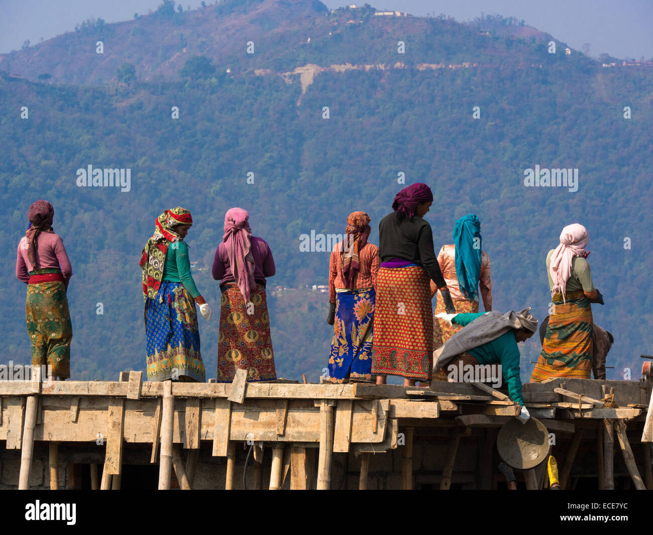 Female construction workers at a new house site in Pokhara, Nepal - Stock Image