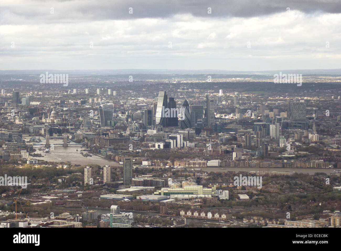 United Kingdom, London, Cityscape with horizon and overcast - Stock Image