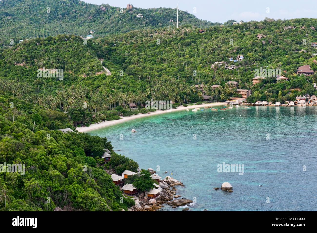 birdseye view of Haad Tien Beach from the John Suwan Viewpoint, Koh Tao, Thailand - Stock Image