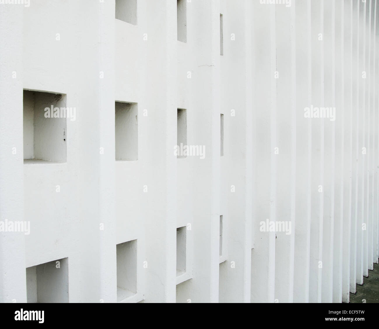 Ventilation void on concrete wall - Stock Image