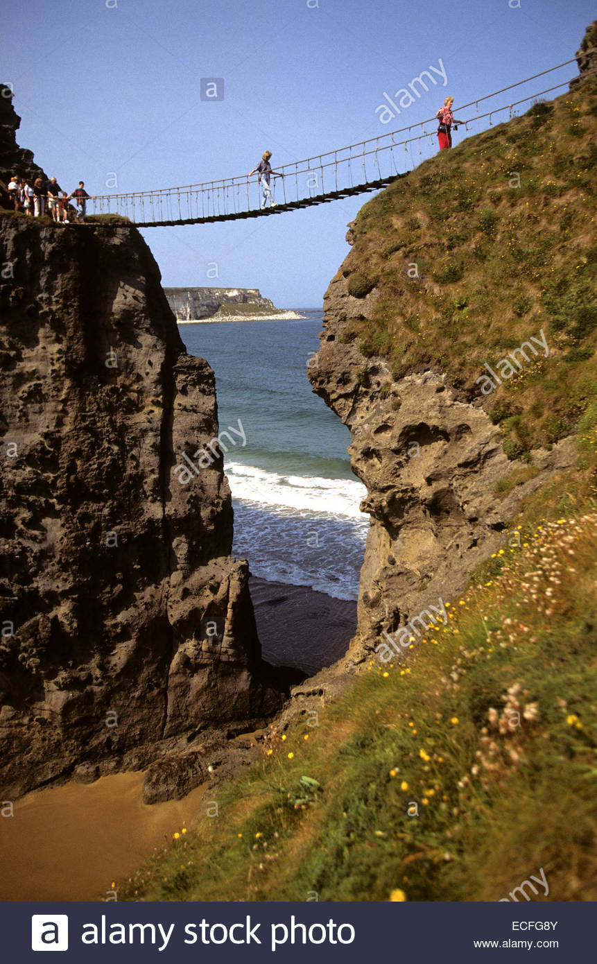 Northern Ireland, Ballintoy, carrick-a-rede rope bridge - Stock Image