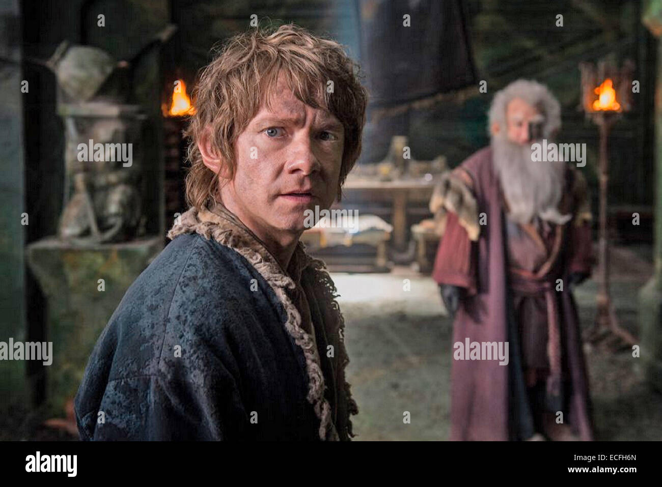 THE HOBBIT : THE BATTLE OF THE FIVE ARMIES  2014 MGM film with Martin Freeman at left and Ken Stott - Stock Image