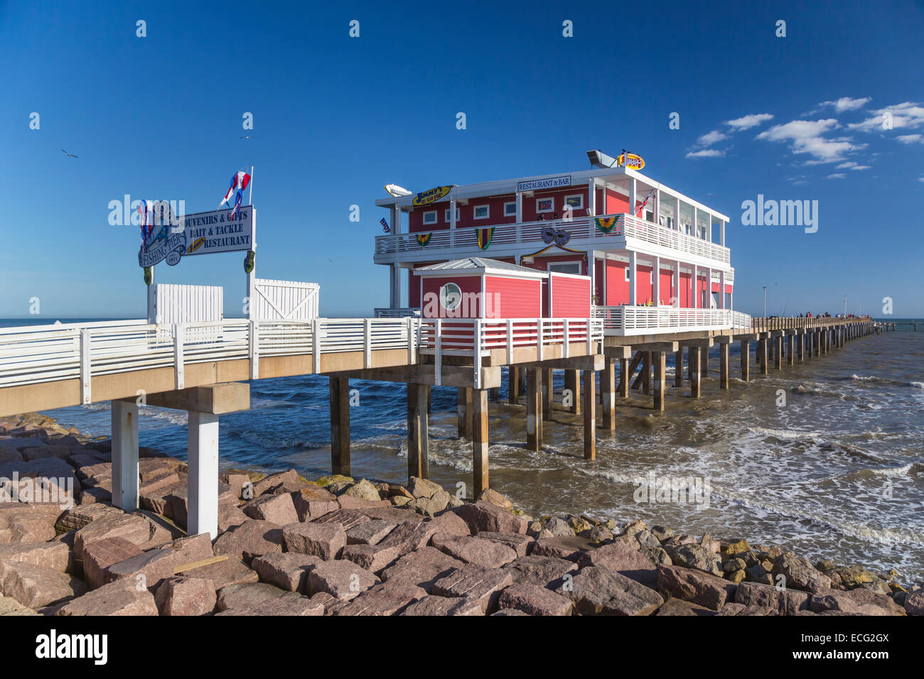 A restaurant and bar on the Galveston Fishing Pier on the Gulf of Mexico, Galveston, Texas, USA. - Stock Image