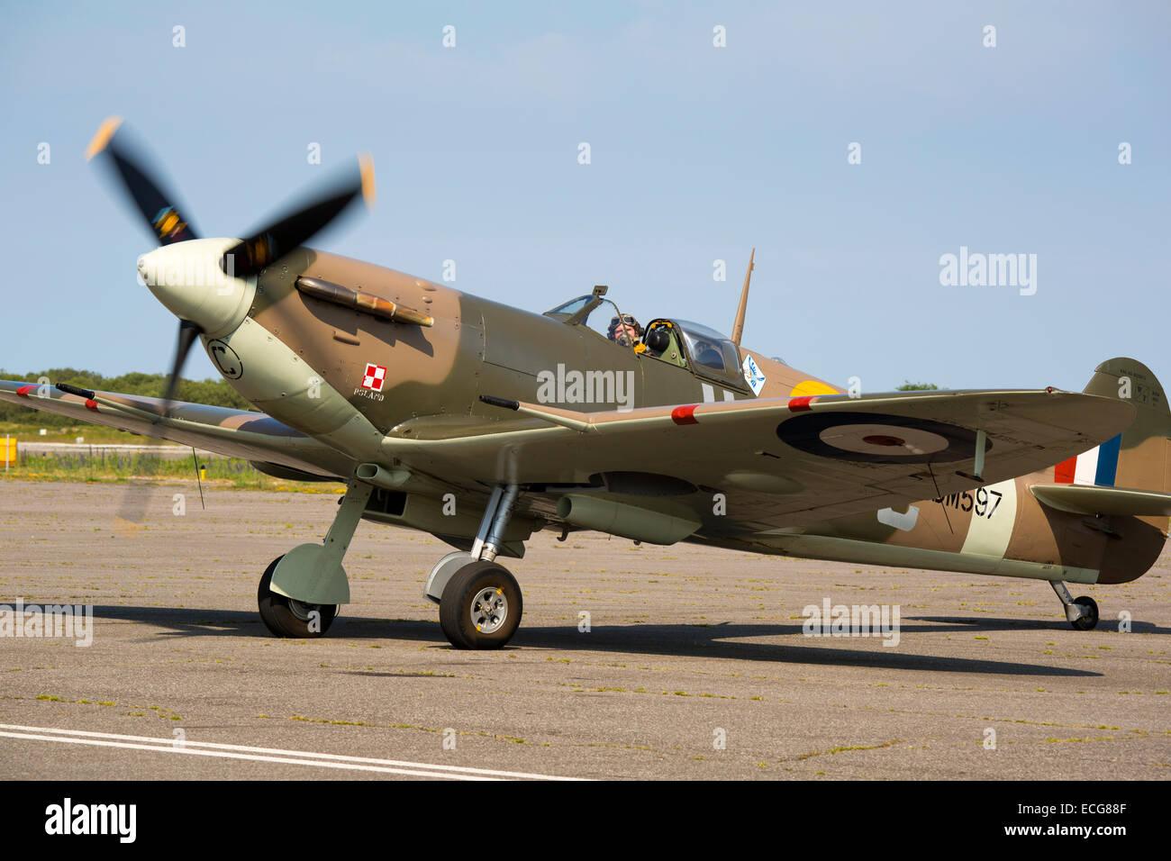 Vickers Supermarine Spitfire Mk Vb J-HC BM597 G-MKVB taxiing after landing at Lydd Airport - Stock Image