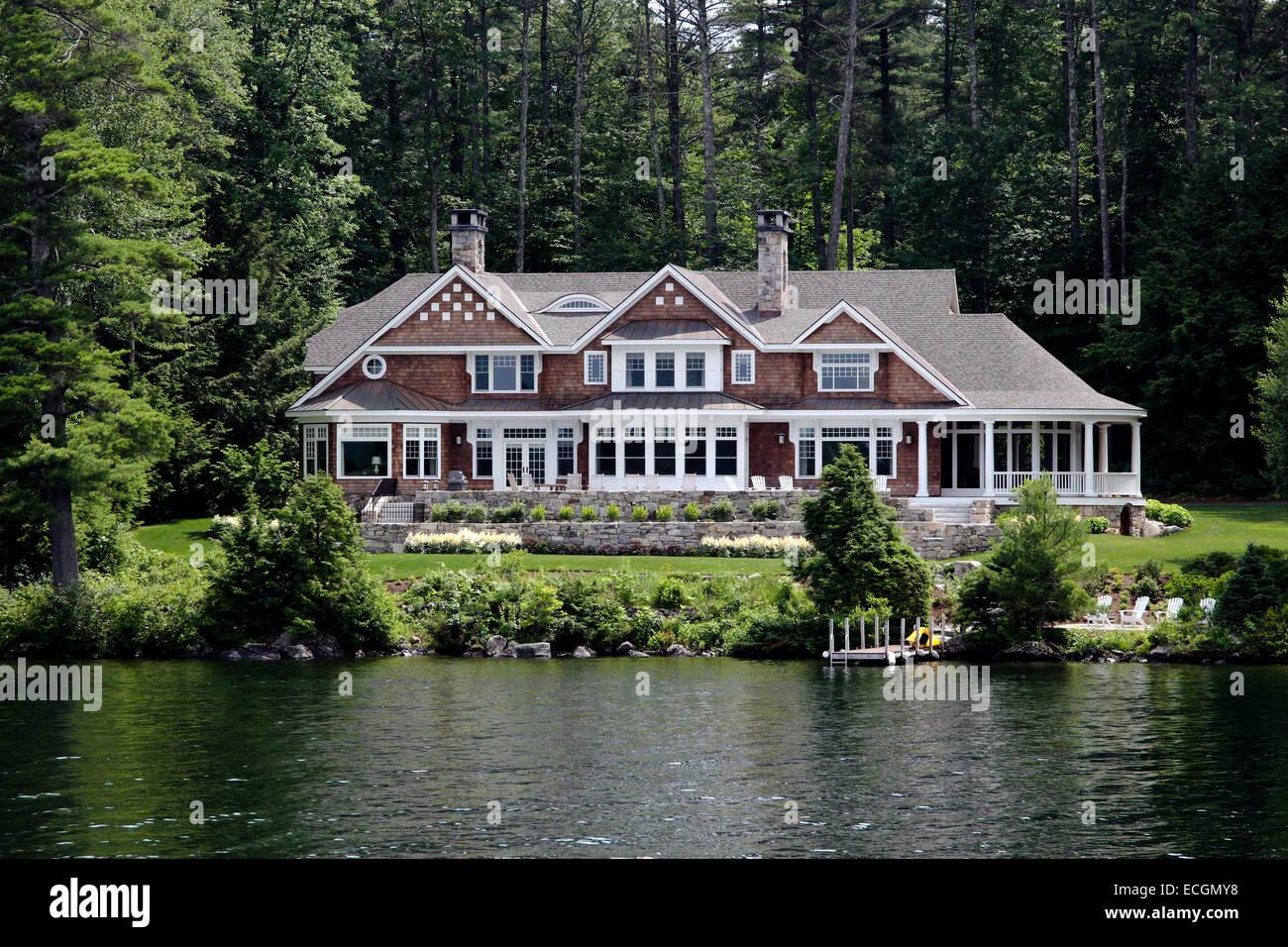 Enjoyable House Home On The Shore Of Lake Winnipesaukee New Hampshire Download Free Architecture Designs Aeocymadebymaigaardcom