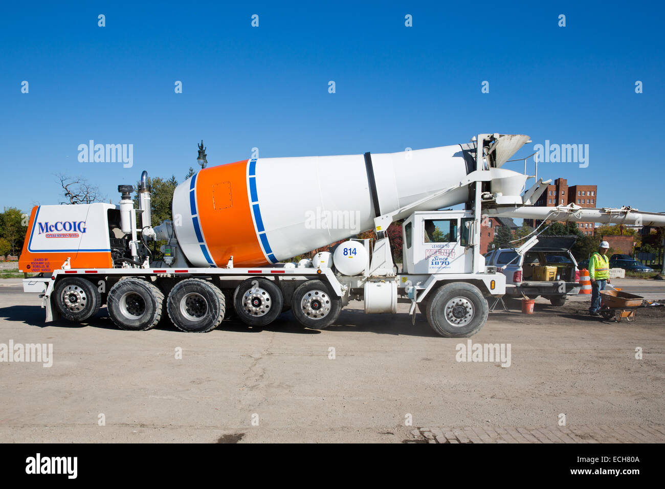 Phoenix Front Discharge Concrete Mixer on the M-1 Rail streetcar project, Detroit, MI, USA, Oct. 23, 2014. - Stock Image