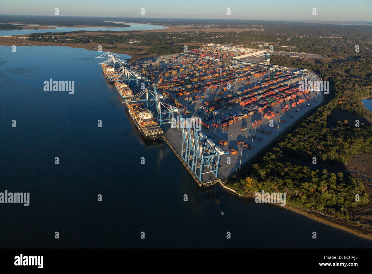 Aerial view of the Wando Welch shipping container port in Mt Pleasant, SC - Stock Image