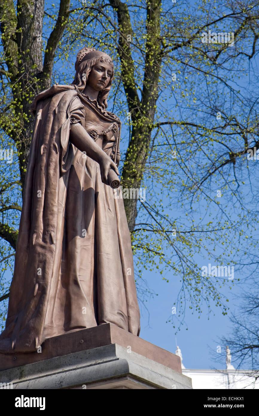 Europe, Germany, Brandenburg, Oranienburg, Oranienburg Palace, statue of the Electress Louise Henriette - Stock Image