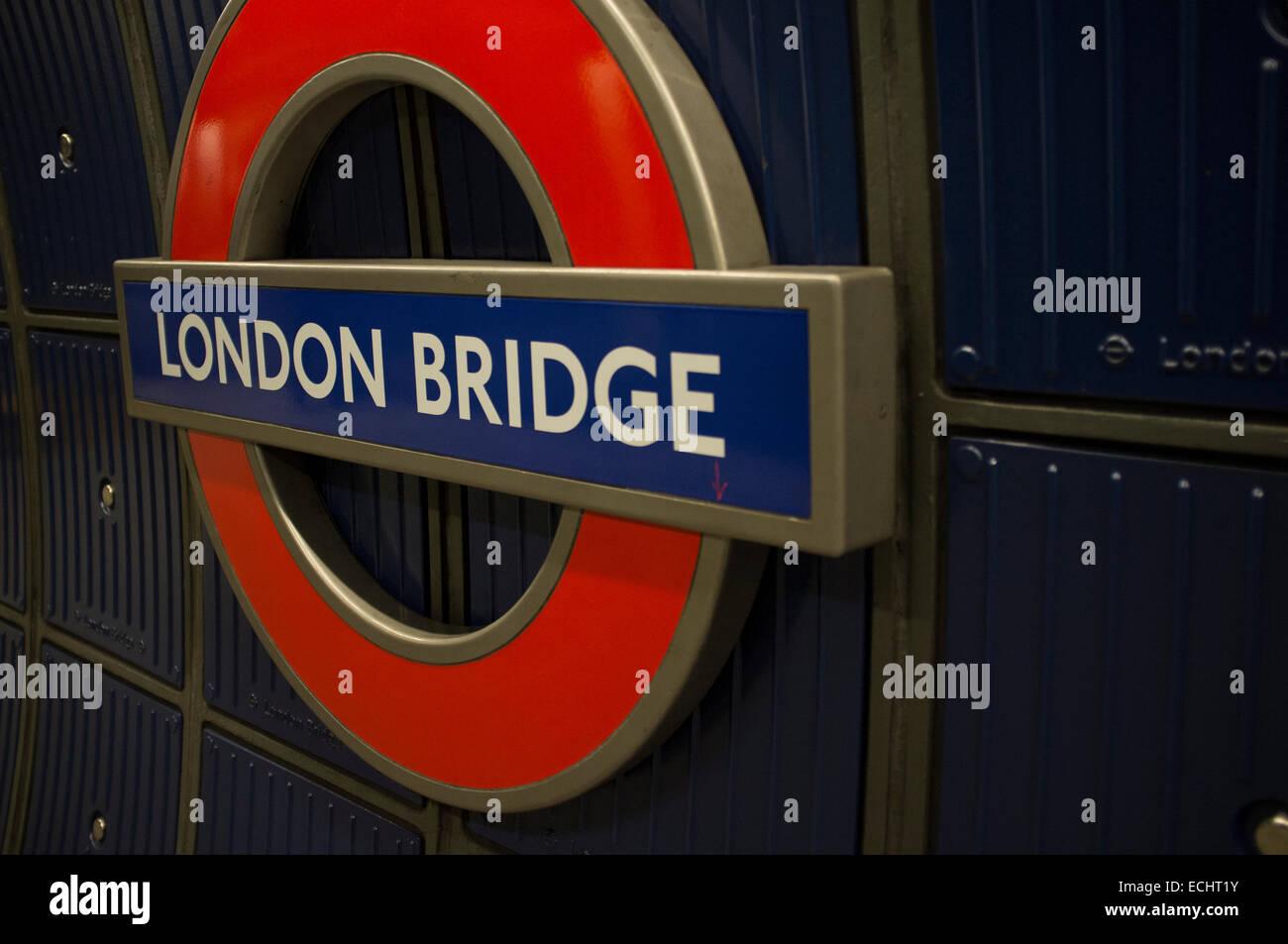 London Bridge Tube Station Sign Stock Photo 76609399 Alamy