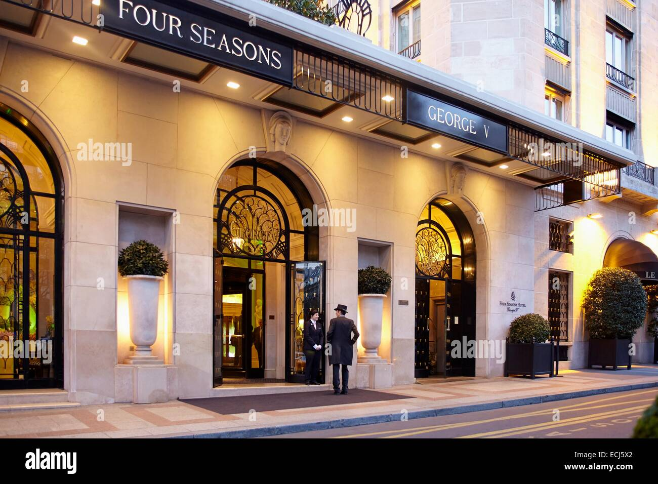 France, Paris, Georges V Avenue, Four Seasons Hotel George V Stock Photo