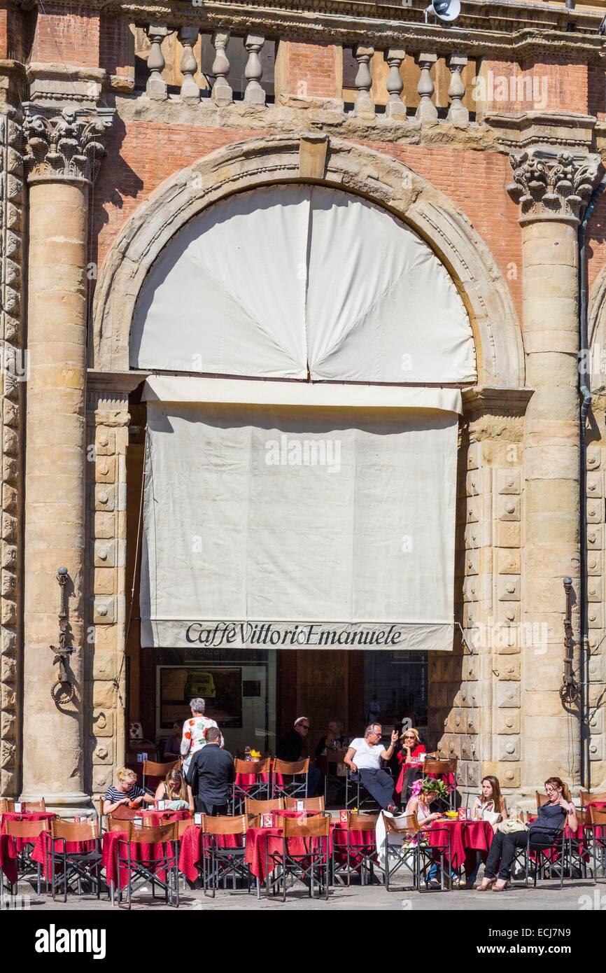 Italy, Emilia Romagna, Bologna, Piazza Maggiore, Palazzo Re Enzo, Caffe Vittorio Emanuele Stock Photo