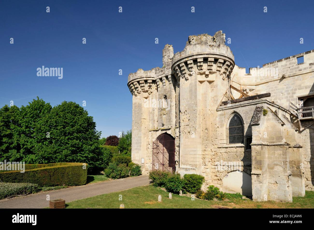France, Aisne, Berzy le Sec, ruins of the castle built in the 13th century - Stock Image