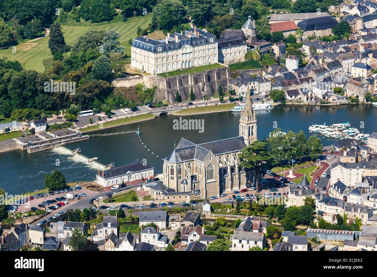 France, Sarthe, Sable sur Sarthe, the church and Sable castle near the Sathe river (aerial view) - Stock Image
