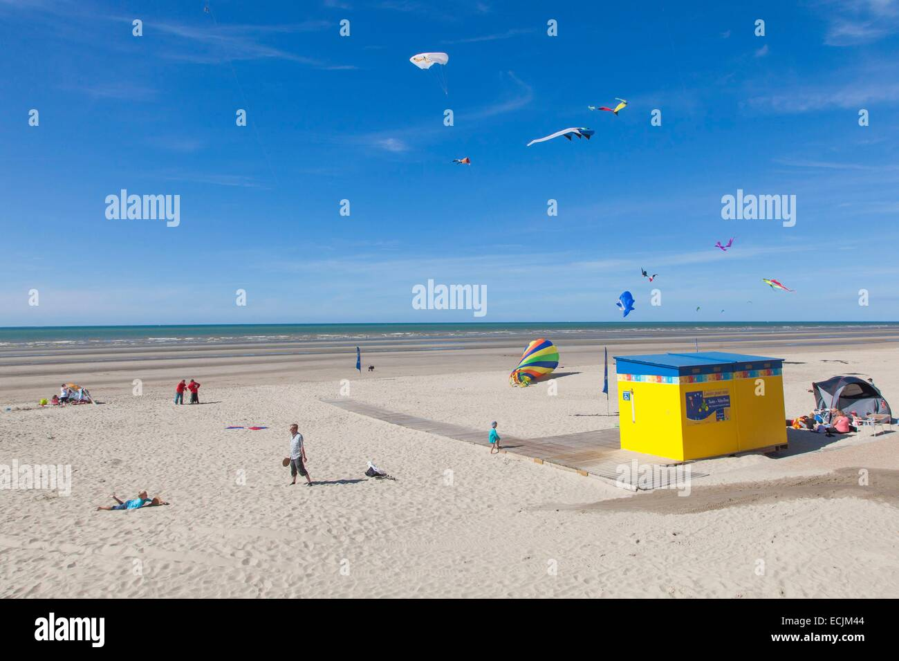 France, Nord, Bray Dunes, holidaymakers on the beach - Stock Image
