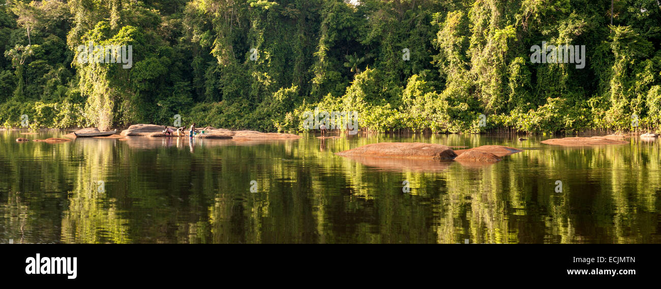Suriname River landscape with granite rock and unspoilt rain forest in Upper Suriname hear Goejaba - Stock Image