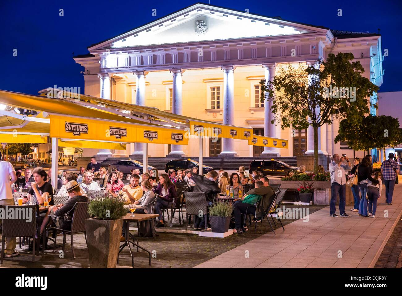 Lithuania (Baltic States), Vilnius, historical center, listed as World Heritage by UNESCO, terrace of restaurant - Stock Image