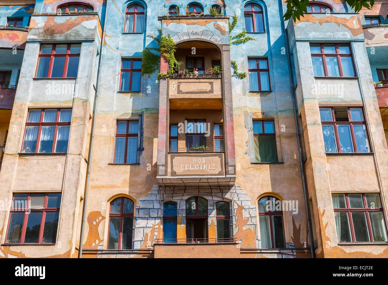 Germany, Berlin, East Berlin district of Kreuzberg, Tag painted facade of a building in Falckensteinstrasse - Stock Image