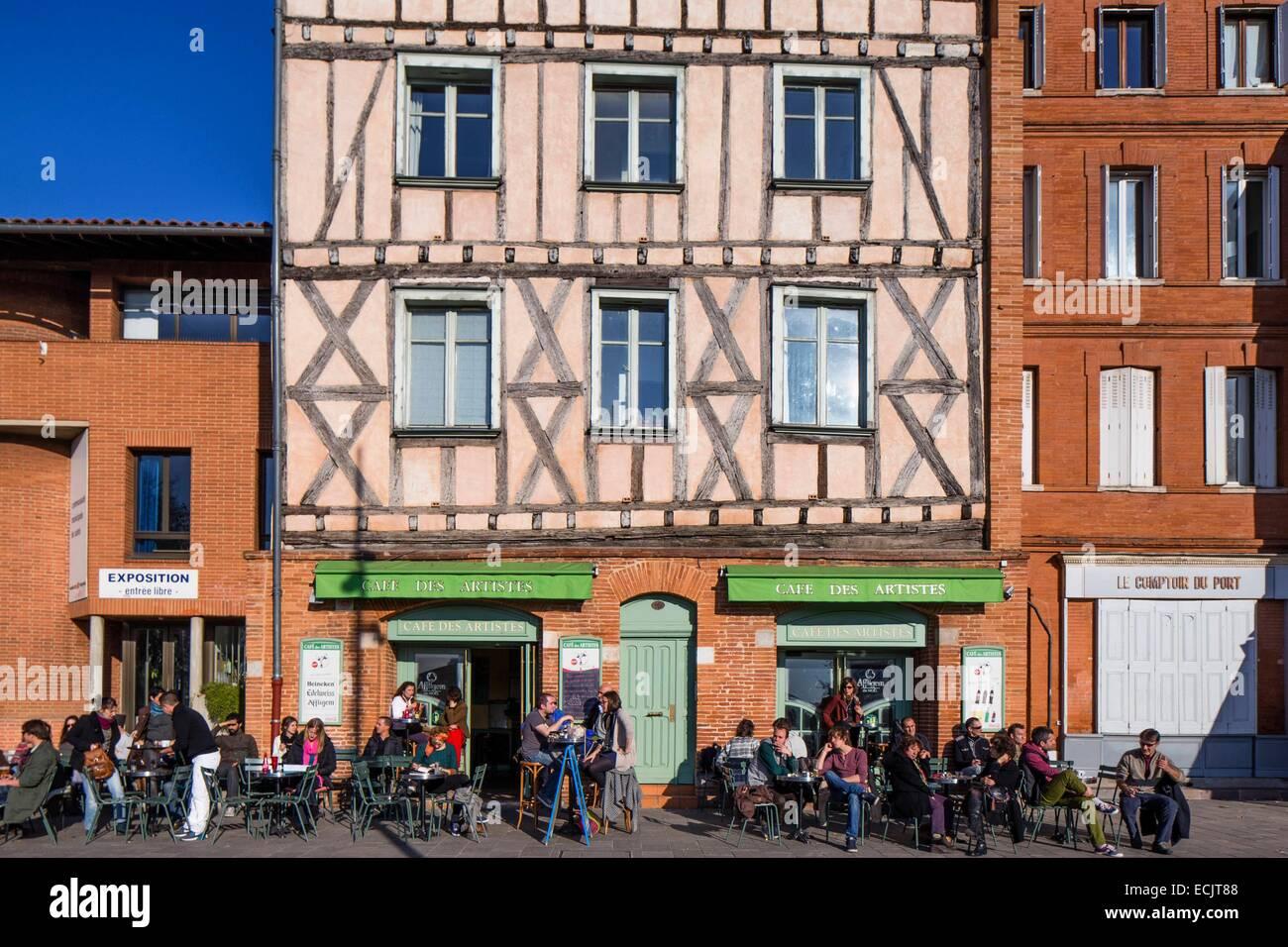France, Haute Garonne, Toulouse, France, Haute Garonne, Toulouse, Cafe des Artistes on Daurade square - Stock Image