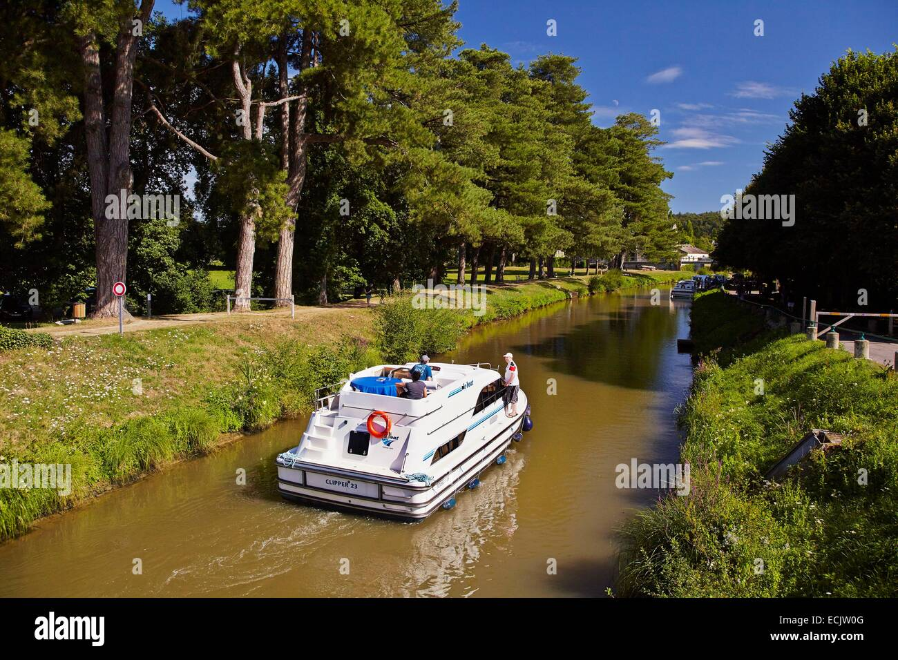 France, Morbihan, Malestroit, Navigation on the canal from Nantes to Brest - Stock Image