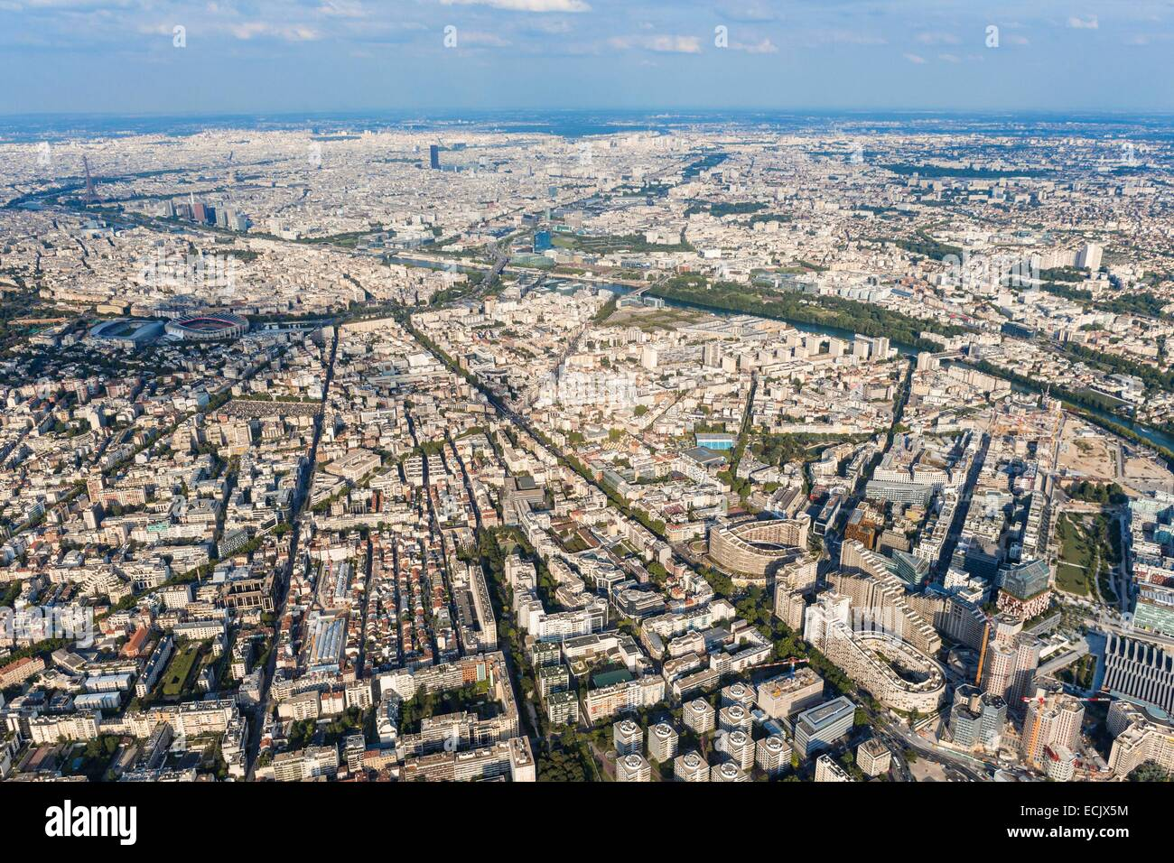 France, Paris, general view with the southbound district (aerial view) - Stock Image
