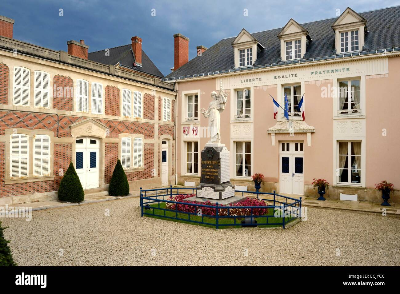 France, Marne, regional park of Montagne de Reims, Hautvillers, the town hall - Stock Image