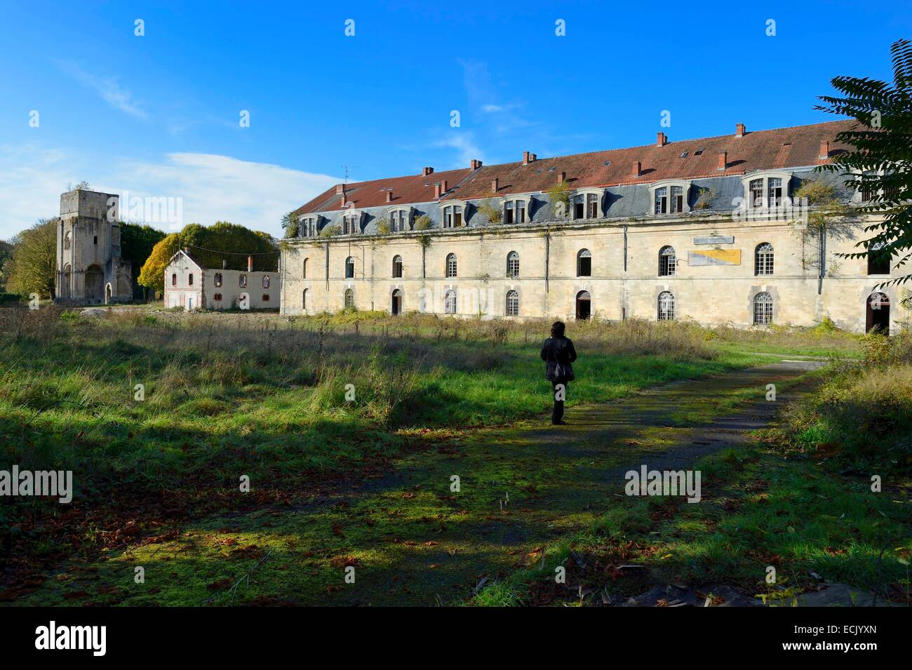 France, Meuse, Verdun, the citadel, Beaurepaire barracks and the old tower of Saint Vanne that is a vestige of the - Stock Image