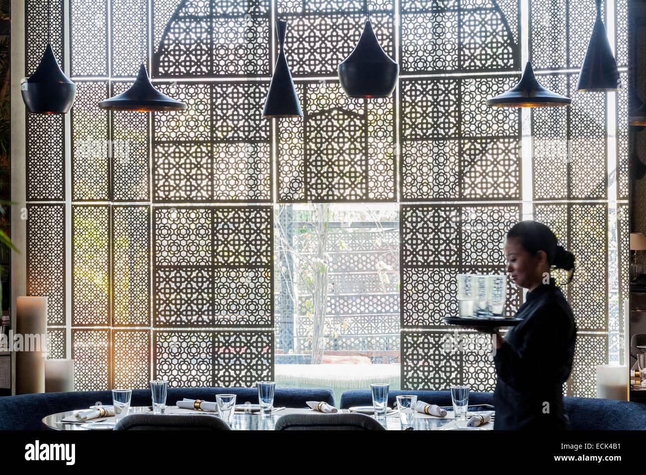 India, New Delhi, Vasant Kunj, luxury mall DLF Emporio, Kainoosh restaurant designed by the architectural firm Studio - Stock Image