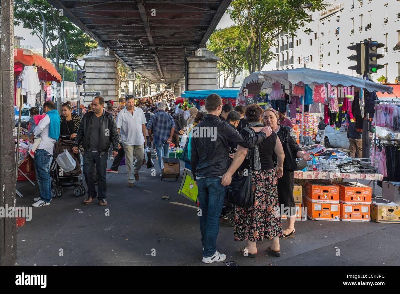 france paris boulevard de la chapelle barbes market under the stock photo 76641364 alamy. Black Bedroom Furniture Sets. Home Design Ideas