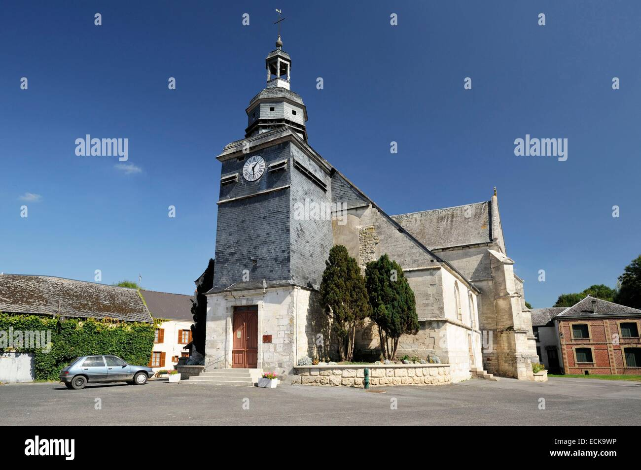 France, Ardennes, Wasigny, Saint Remi church and its square - Stock Image