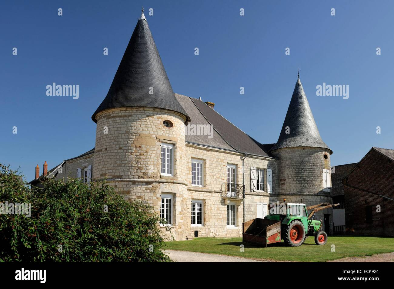France, Ardennes, Sery, castle, tractor parked in front of the castle - Stock Image
