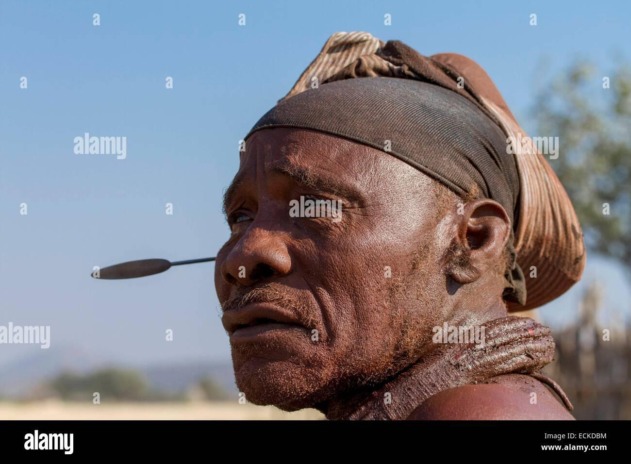 Namibia, Kunene region, Kaokoland, Himba village near Opuwo, Himba man - Stock Image