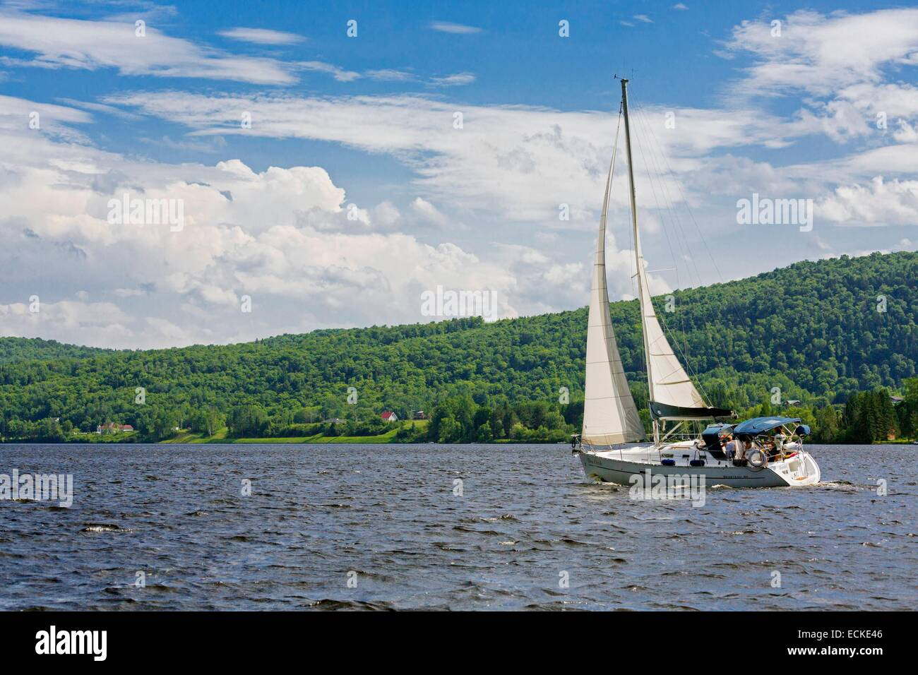 Canada, Quebec, Mauricie, the surroundings of Shawinigan, Saint-Maurice River, sailing - Stock Image