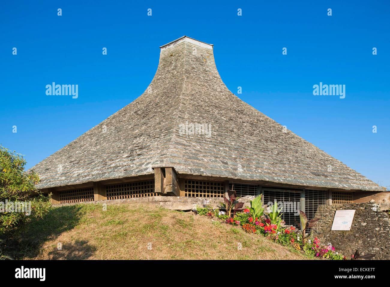 France, Manche, Cotentin, Portbail, hexagonal Baptistery, vestige of the Gallo Roman era - Stock Image